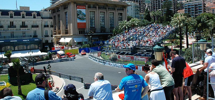 Cafe de paris monaco grand prix balcony race viewing for Prix hotel france